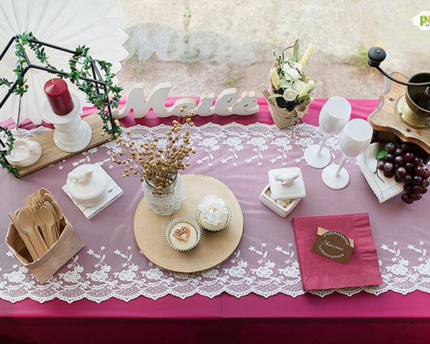 Burgundiškai rustic stiliaus šventė