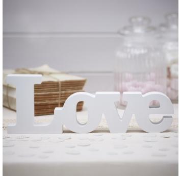 """Medinės raidės """"LOVE"""", baltos"""