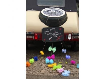 Automobilio dekoracija, kreidinė su kaspinais