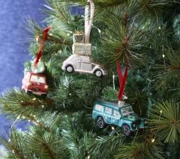 """Dekoracija-eglutės žaisliukas """"Žalias džipas"""" 1"""