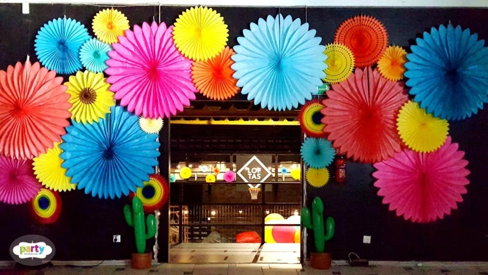 Kaip miesto erdvės pasipuošė meksikietiškomis spalvomis