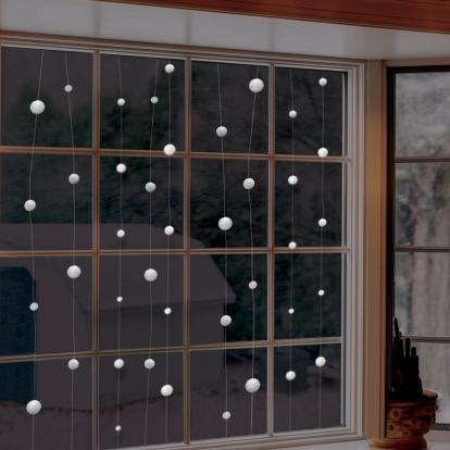 """Kabanti dekoracija """"Sniego kamuoliukai"""" (12,8 m)"""