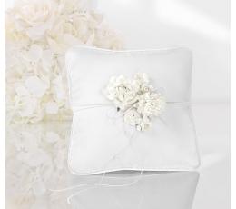 Pagalvėlė žiedams, balta su rožytėmis