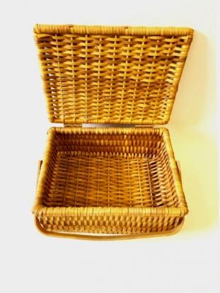 (NUOMA) Pintas iškylos krepšys-dėžė su rankena (33x24x15 cm)