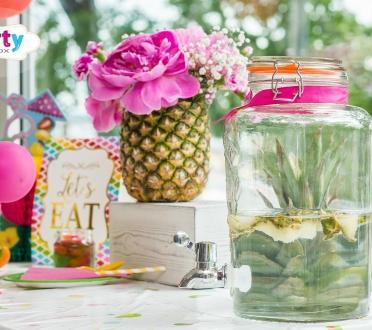 Tutti frutti vaisinis stalo dekoras